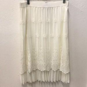 Albert Rodriguez embroidered white skirt